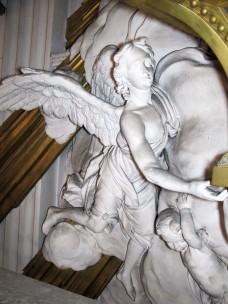 Engel aus der Stuckgloriole (rechts)